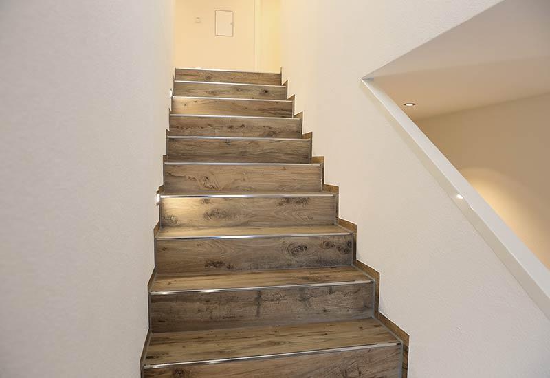 Böden und Treppen
